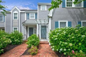 381 Ocean Street, Hyannis MA, 02601 details