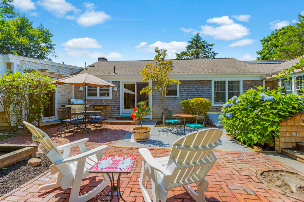80 Dairy Street, Chatham MA, 02633 details