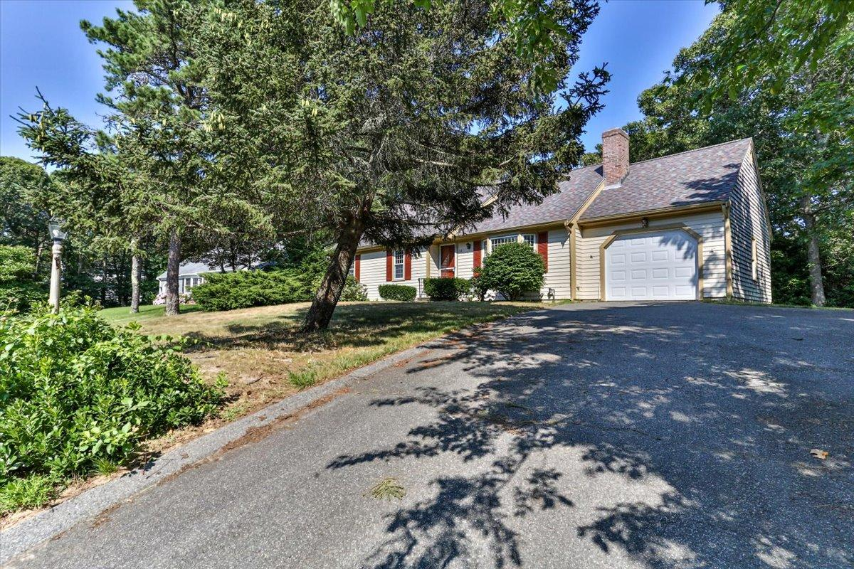 12 Dover Road, Yarmouth Port MA, 02675 details