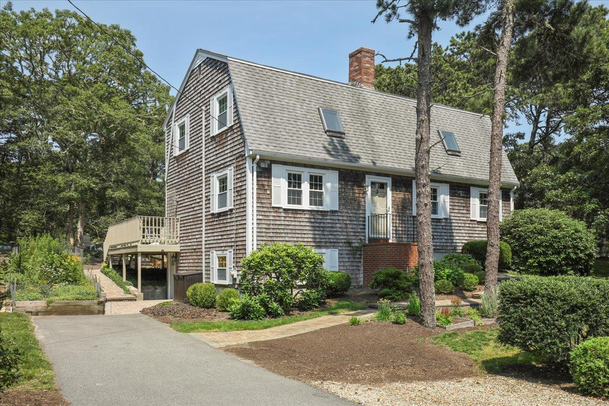 16 Periwinkle Way, South Harwich MA, 02661 details