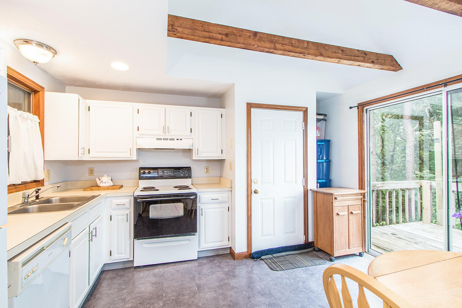 75 Finlay Road, Orleans MA, 02653 details