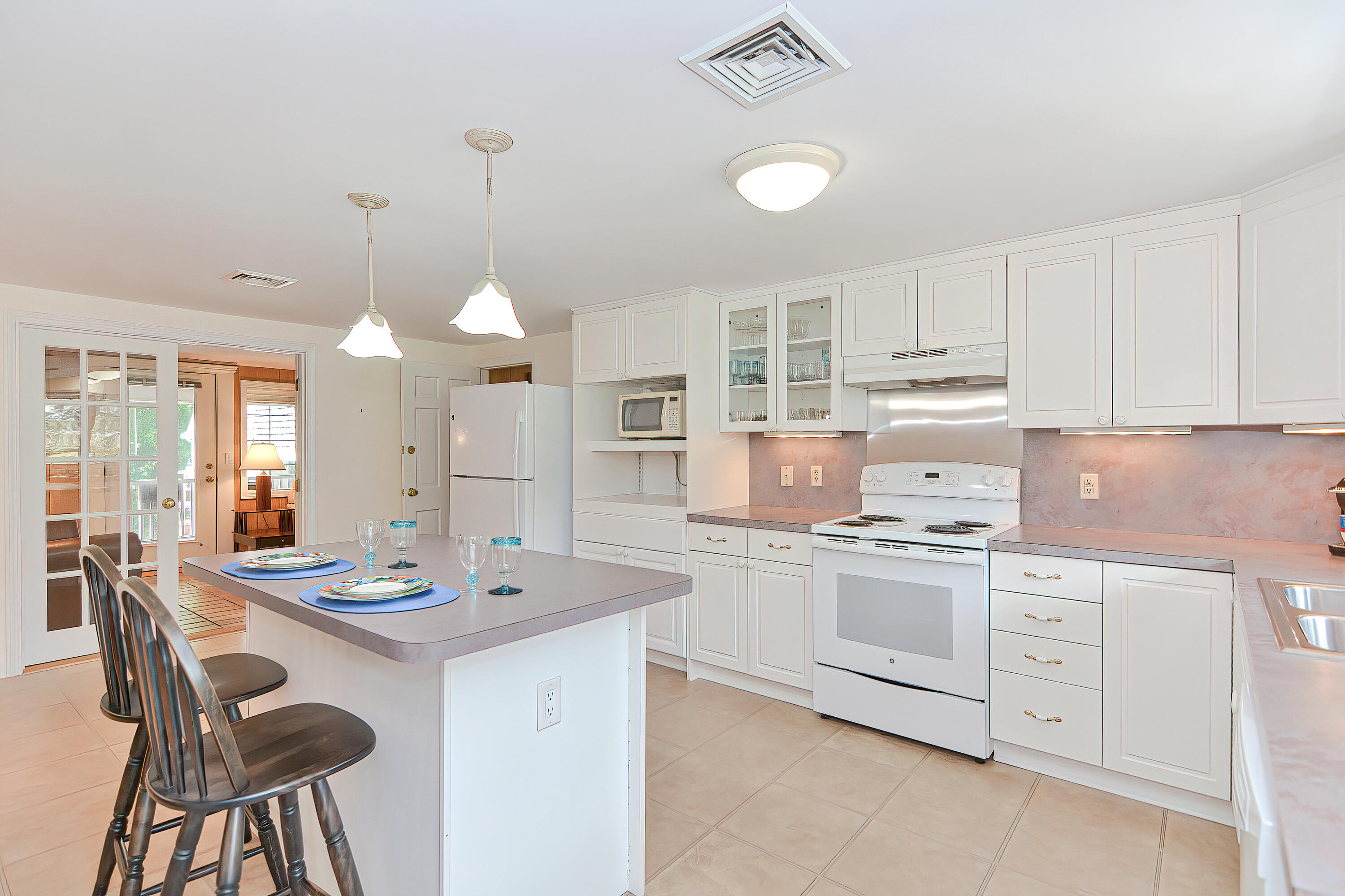 147 Center Street, Yarmouth Port MA, 02675 details