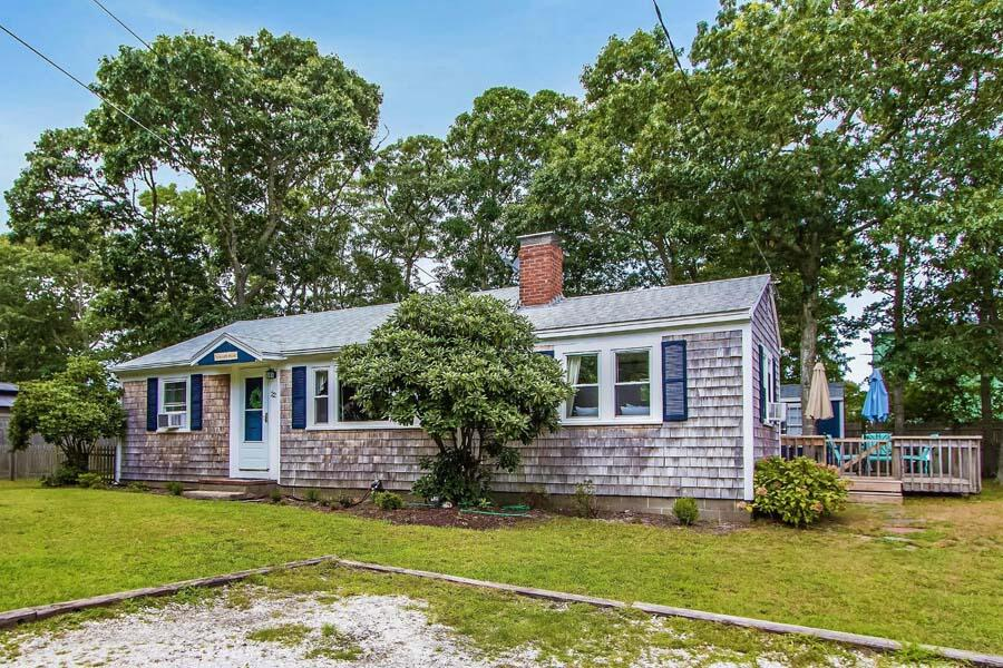 22 Howes Road, South Yarmouth MA, 02664 details