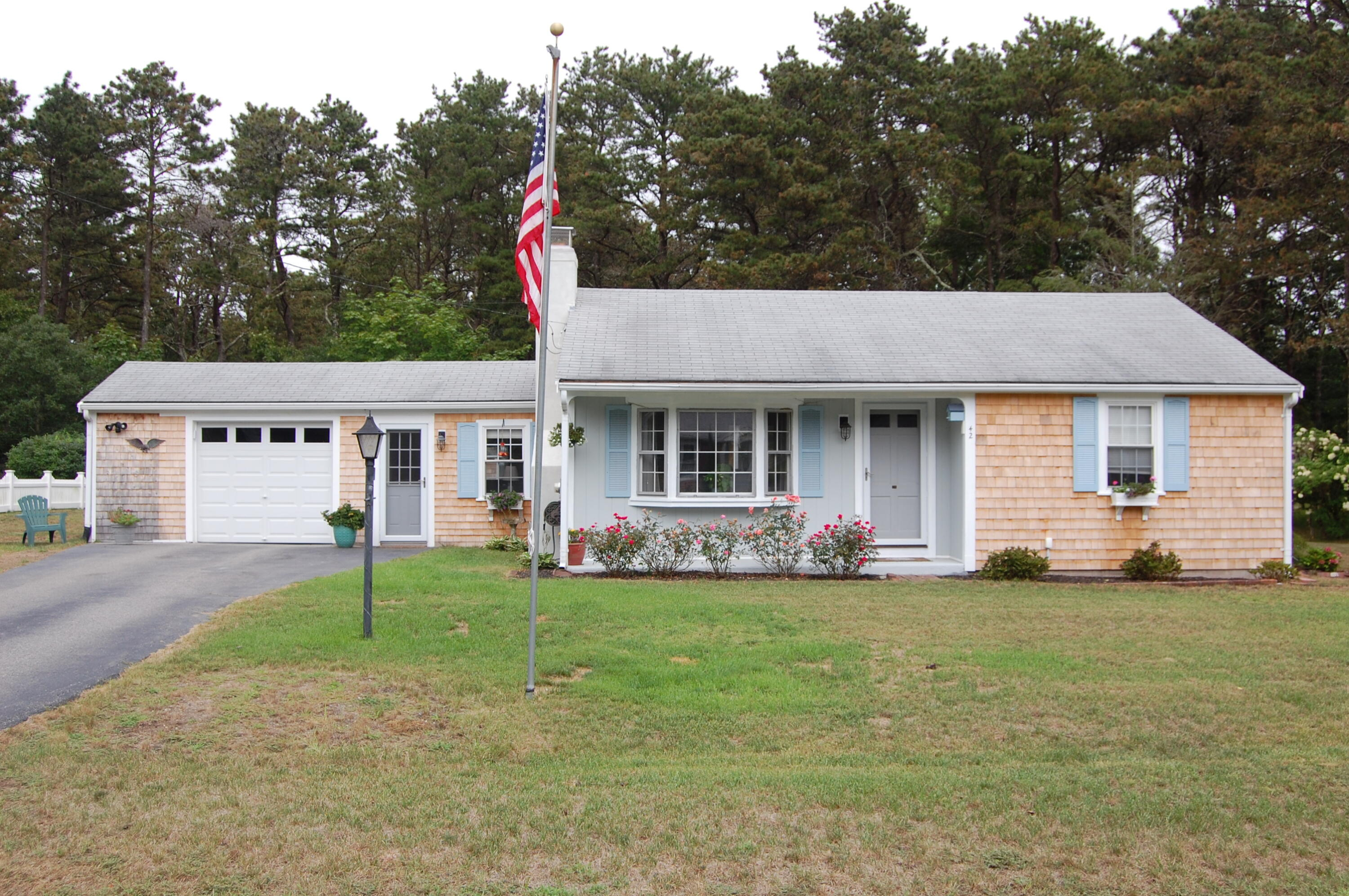 42 Browning Avenue, South Yarmouth MA, 02664 details