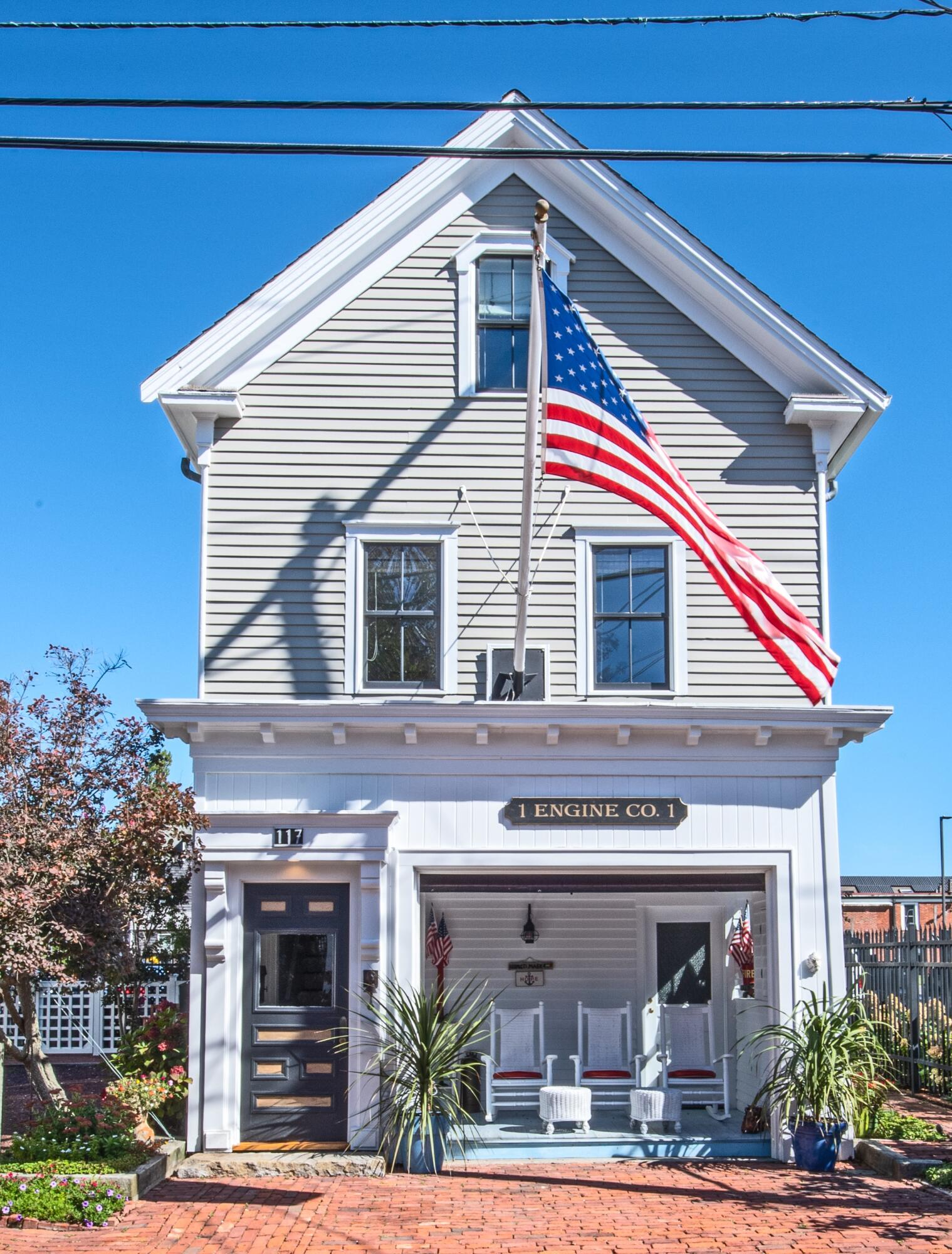 117 Commercial Street, Provincetown MA, 02657 details