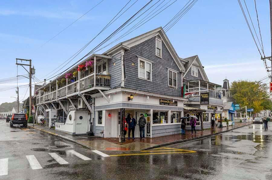 312 Commercial Street, Provincetown MA, 02657 details
