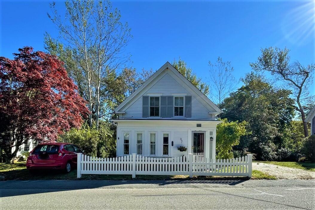 206 Holbrook Avenue, Wellfleet MA, 02667 details