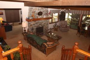 007_Living Room fireplace