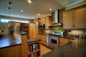 DSC08633-Kitchen2_sm