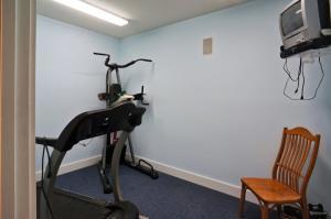 DSC08767_O-basement-exercise_sm