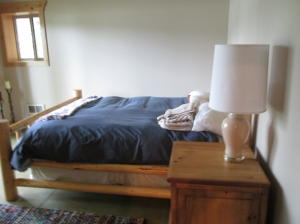 Lower level bed