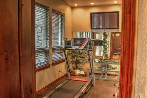 Work out room with steam shower