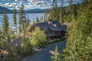 Priest Lake Waterfront Estate