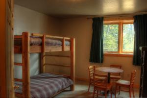 2nd bunk room