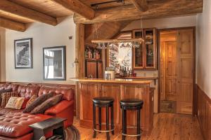 Bar in the family room