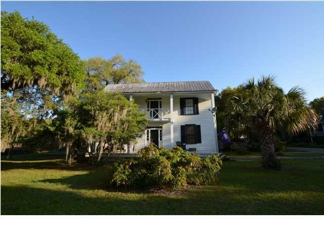 Photo of 703 Morrison St, McClellanville, SC 29458