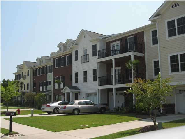 208 Etiwan Pointe Drive, Mount Pleasant, 29464, 3 Bedrooms Bedrooms, ,3 BathroomsBathrooms,For Sale,Etiwan Pointe,1010979