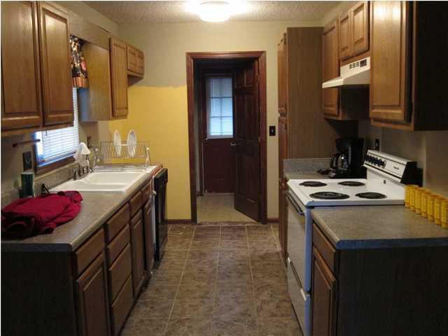 Palmetto Plantation Homes For Sale - 8551 Wagram, North Charleston, SC - 5
