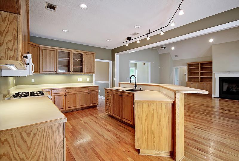 Oceanview Village Homes For Sale - 1219 Ocean View Rd, Charleston, SC - 7