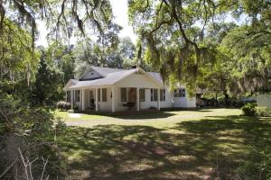 2432 Clover Hill Road, Green Pond, SC 29446