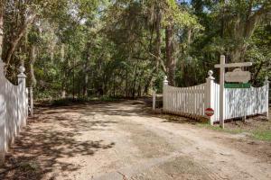 2184 Megget Point Road, Edisto Island, SC 29438