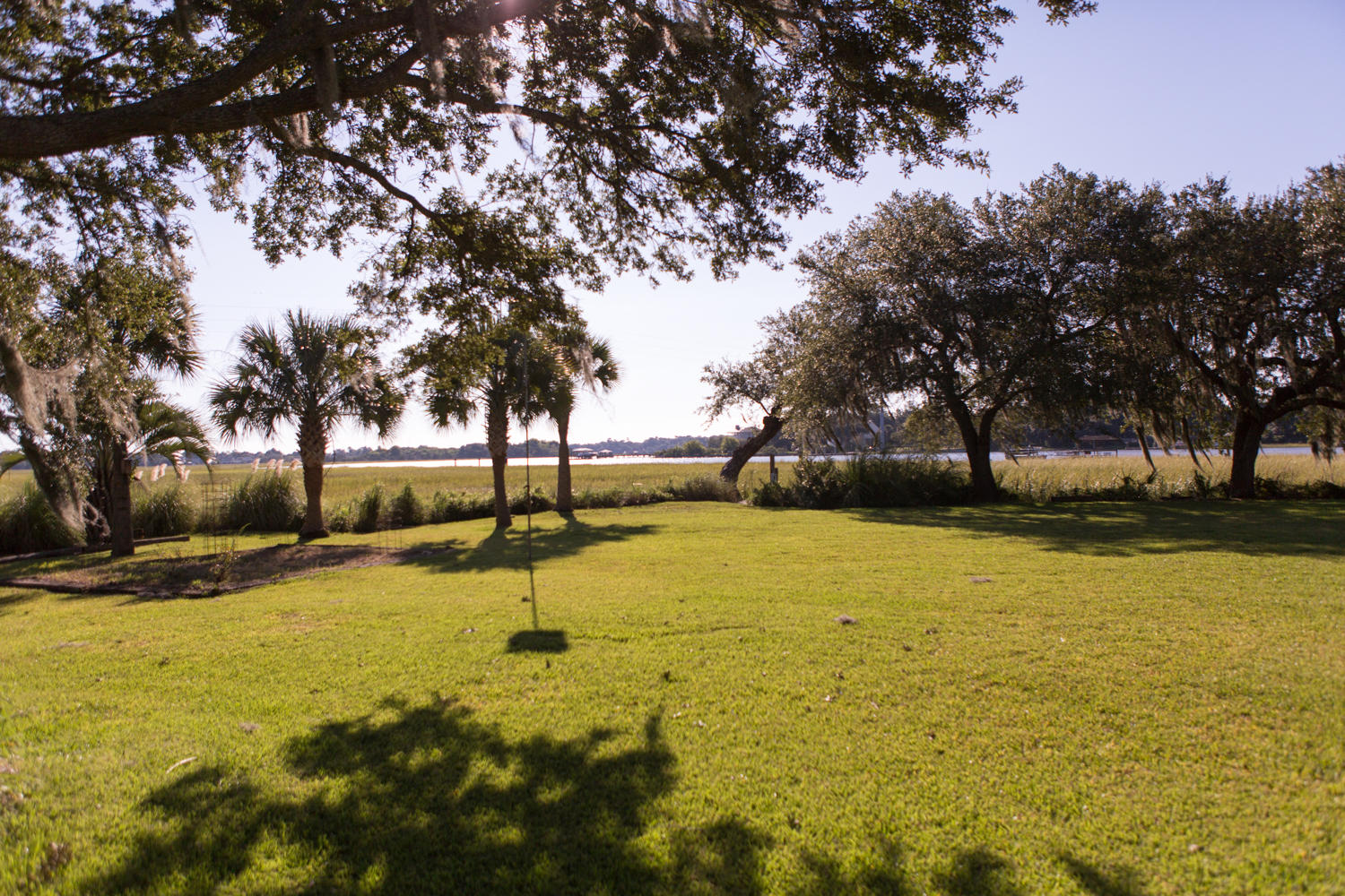 Photo of 120 E Edgewater Dr, Charleston, SC 29407