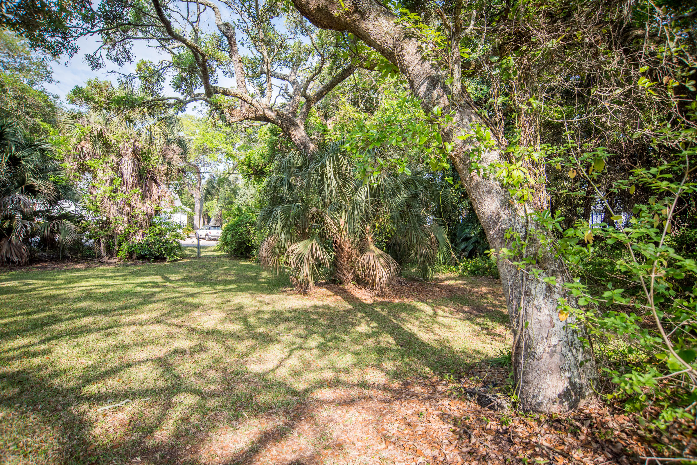 Photo of 204 E Huron Ave, Folly Beach, SC 29439
