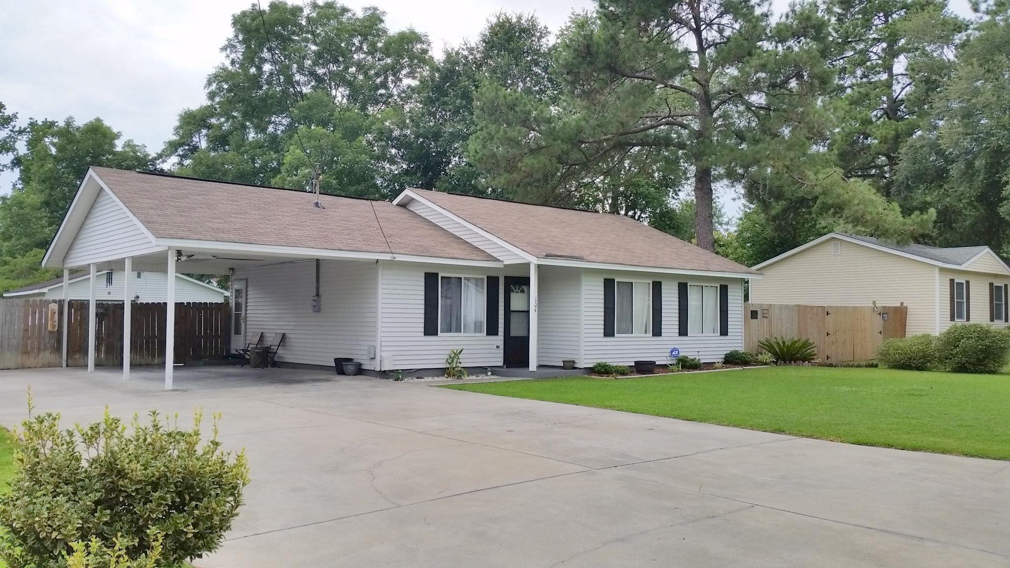 Shannon Homes For Sale - 104 Clover, Summerville, SC - 2