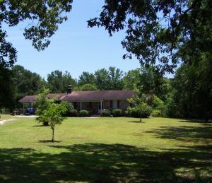 1575 Pynes Community Road, Green Pond, SC 29446