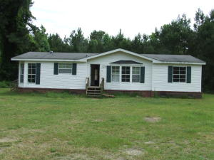 302 Eagle Terrace, Cross, SC 29436