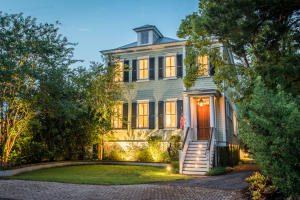 Photo of 916 Pitt Street, Old Village, Mount Pleasant, South Carolina