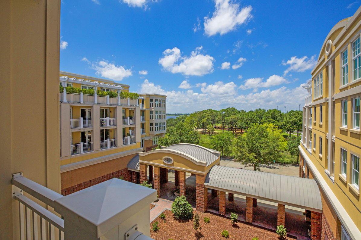Photo of 4010 Old Bridgeview Ln, Charleston, SC 29403