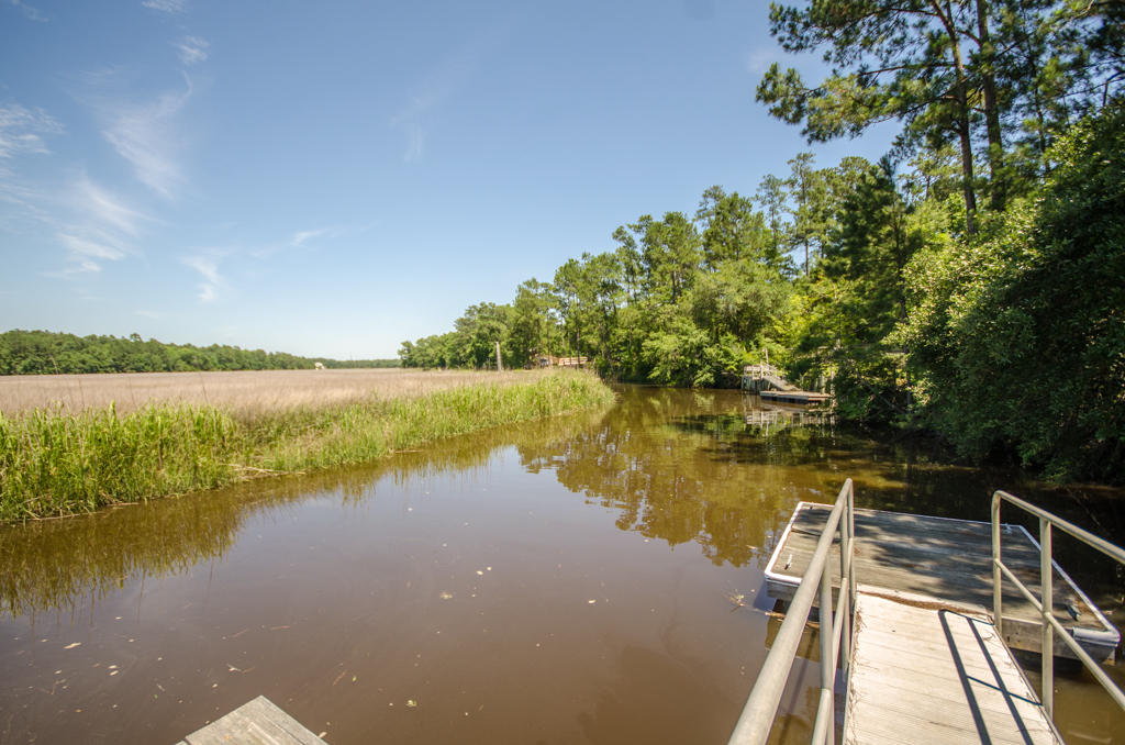 Photo of 8627 Doar Rd, Awendaw, SC 29429