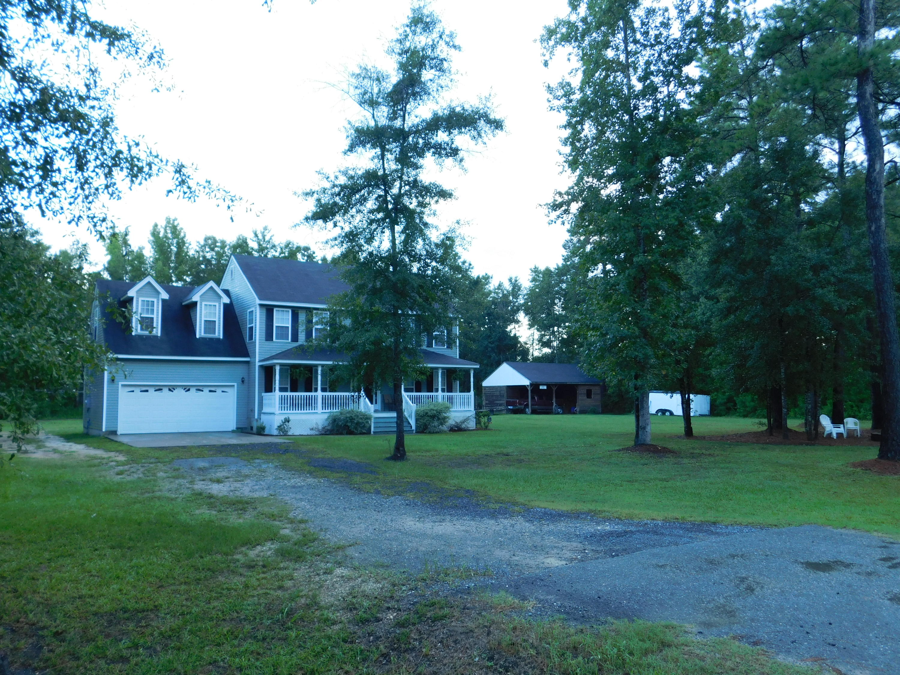 Photo of 721 Moultrie Ln, Huger, SC 29450