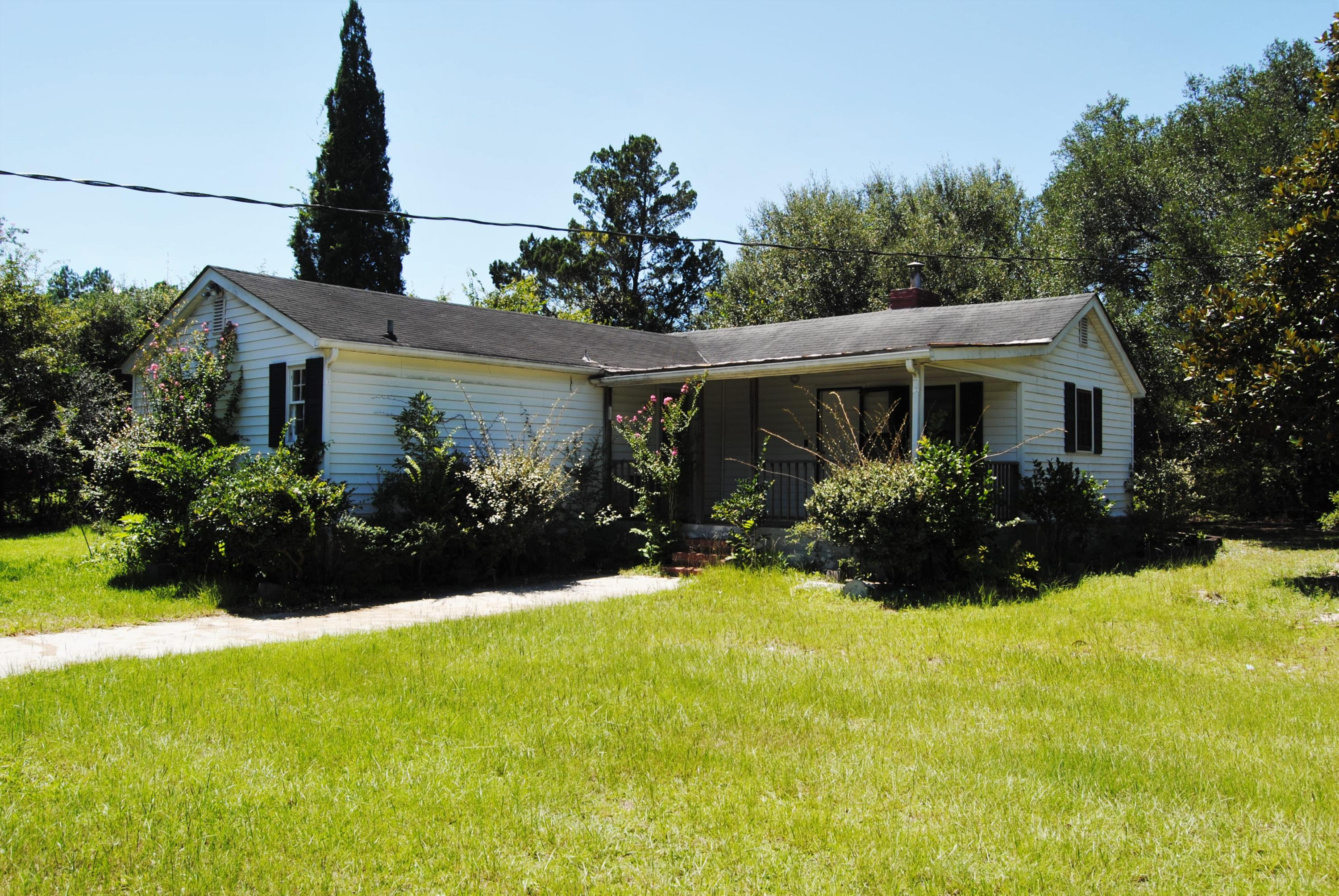 Photo of 1356 S Live Oak Dr, Moncks Corner, SC 29461