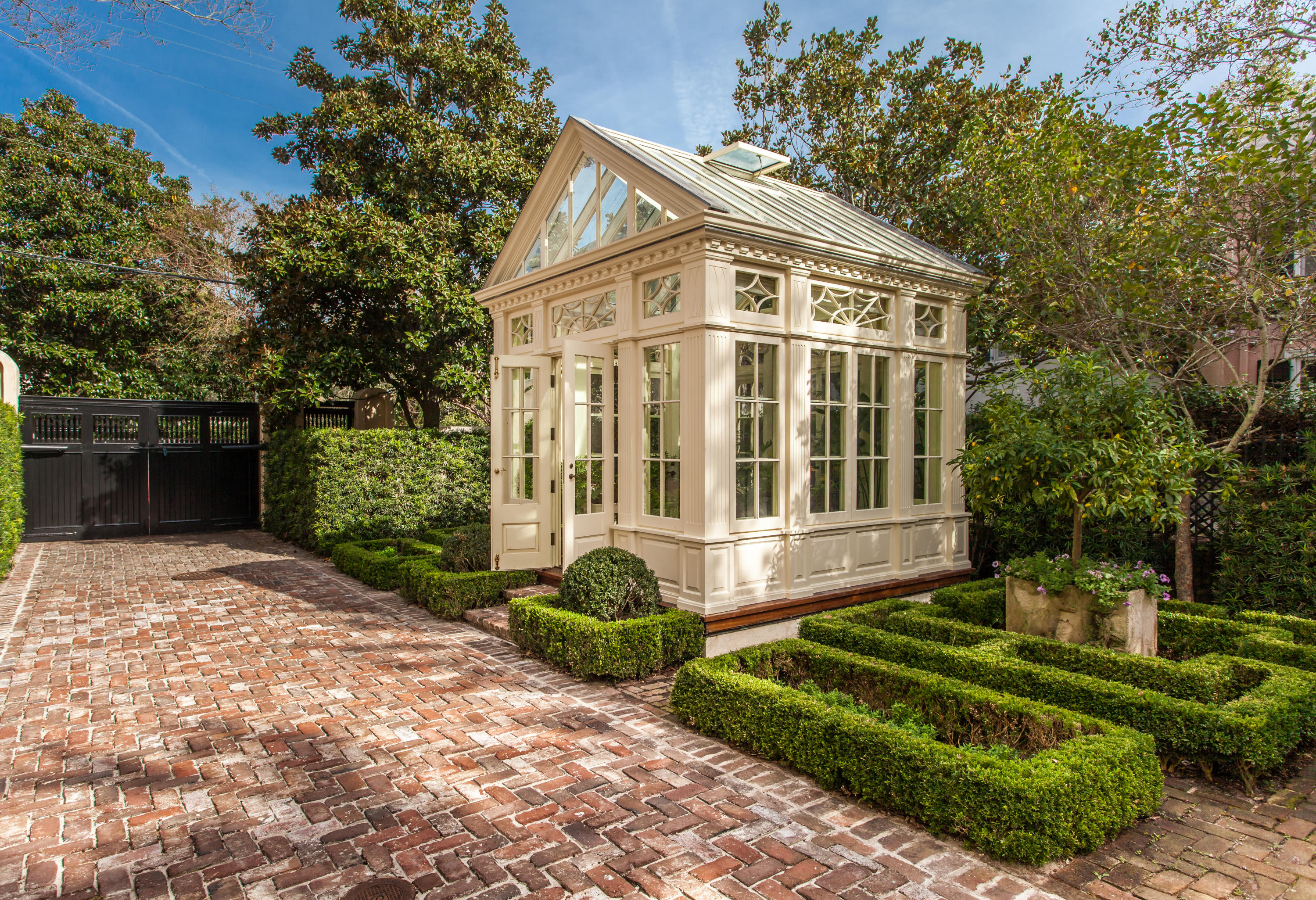 South of Broad Homes For Sale - 32 Legare, Charleston, SC - 8