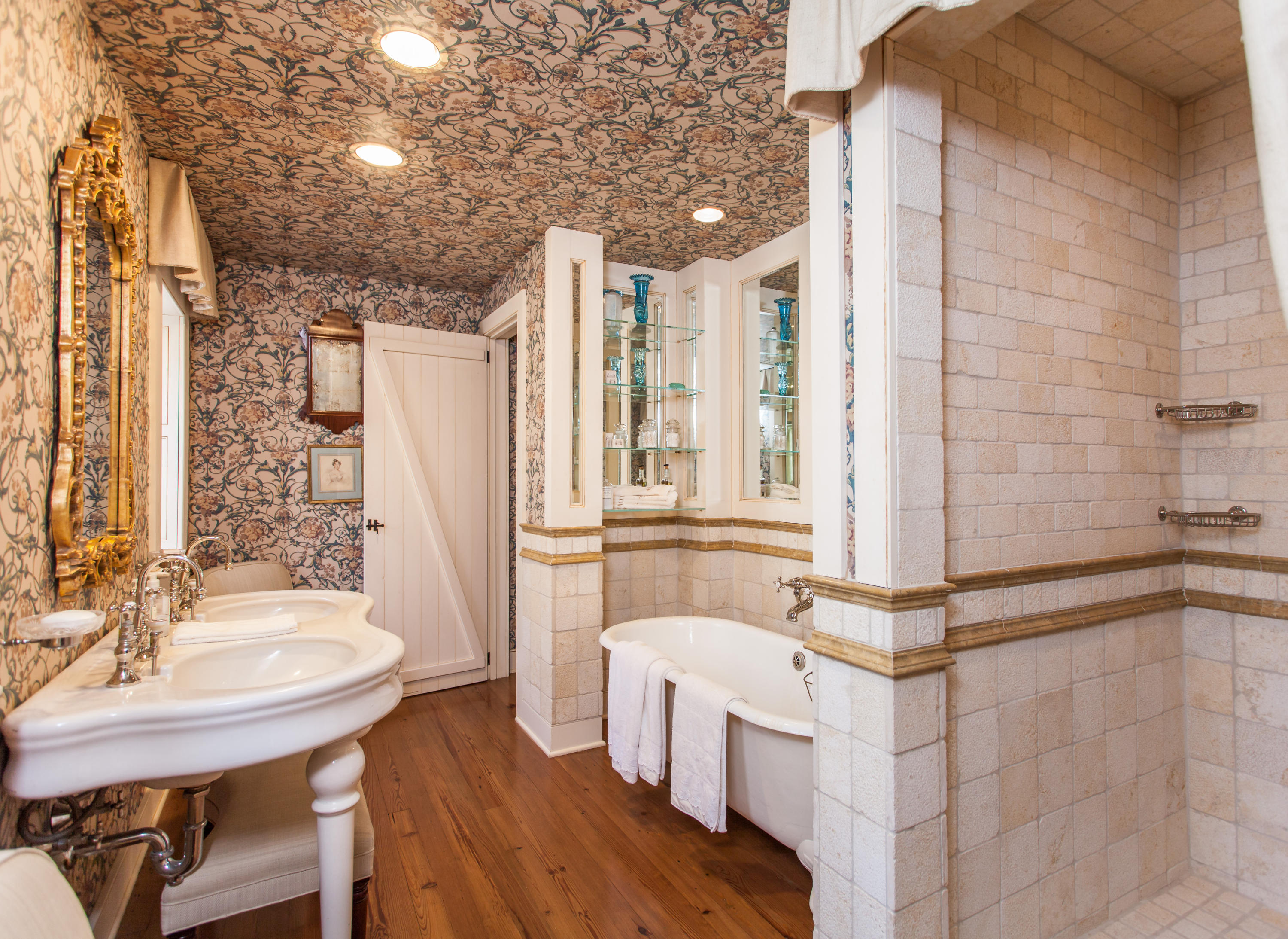 South of Broad Homes For Sale - 32 Legare, Charleston, SC - 1