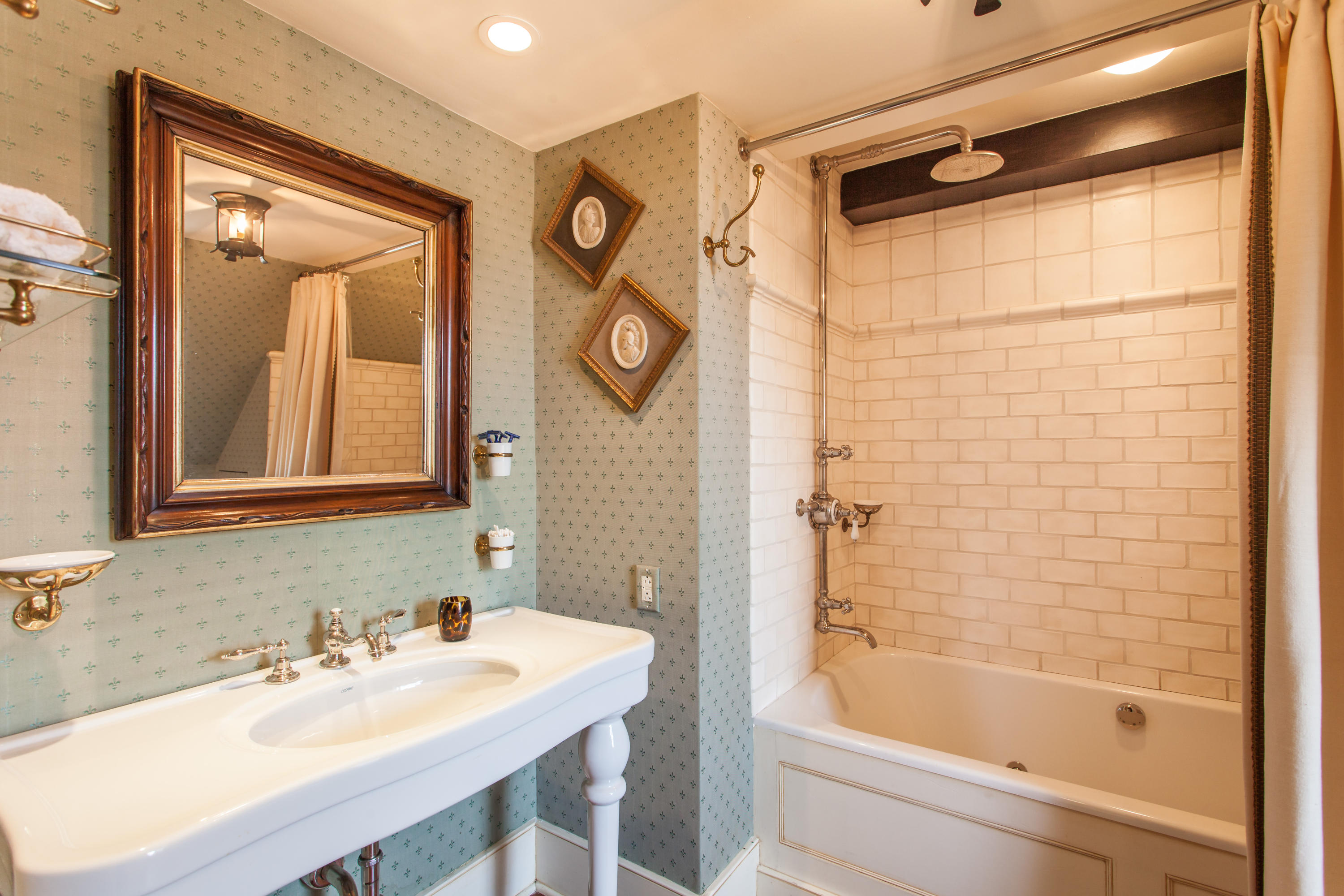 South of Broad Homes For Sale - 32 Legare, Charleston, SC - 27