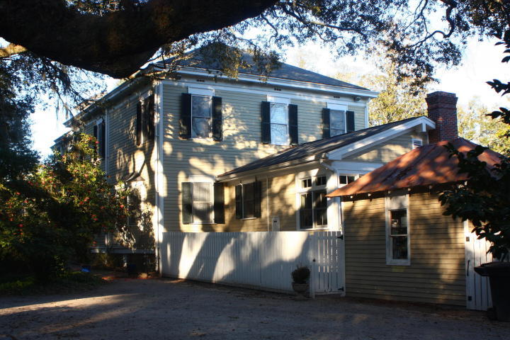 Photo of 1126 Wichman St, Walterboro, SC 29488