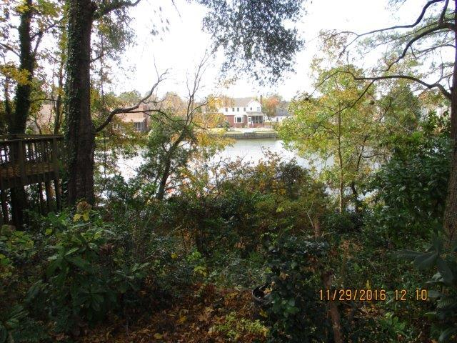 Photo of 206 Lakeview Dr, Summerville, SC 29485