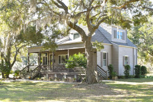 6349 Oak Grove Plantation Road, Wadmalaw Island, SC 29487
