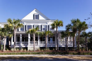 Property for sale at 218 N Shelmore Boulevard, Mount Pleasant,  SC 29464