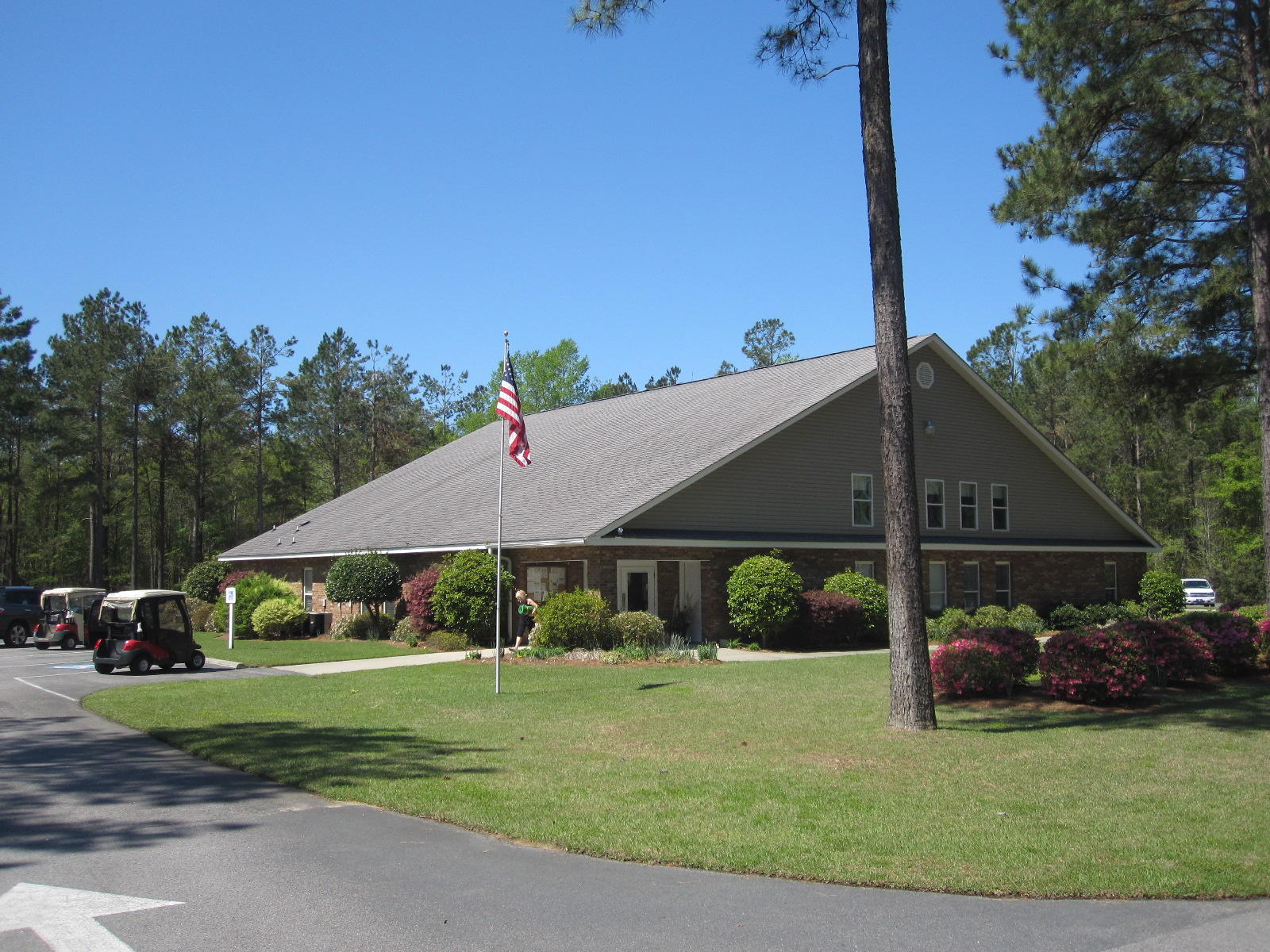 Photo of 224 Plantation Dr, Manning, SC 29102