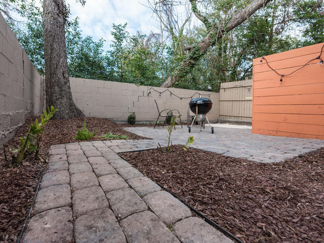Photo of 12 Moultrie St, Charleston, SC 29403