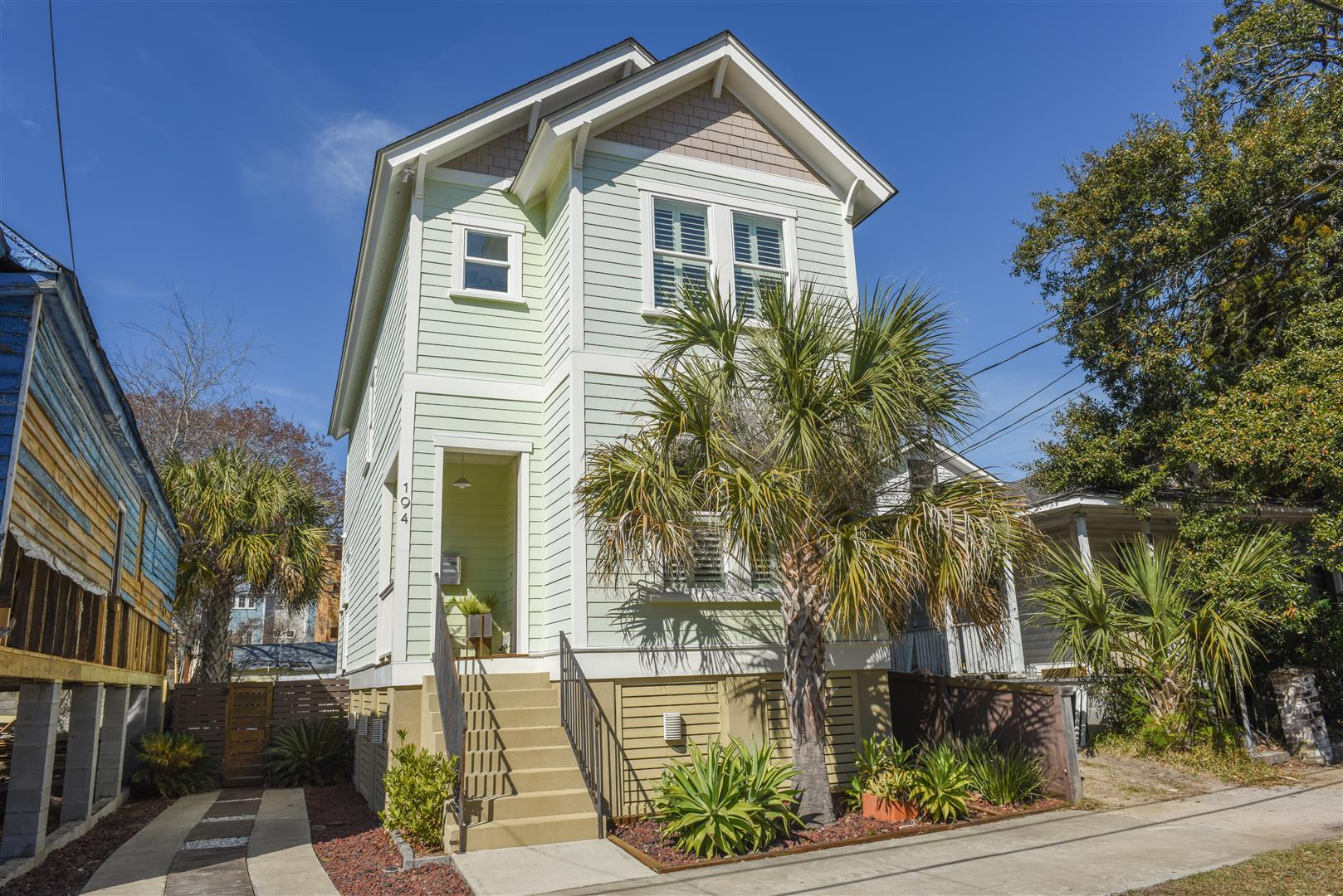 Photo of 194 Fishburne St, Charleston, SC 29403