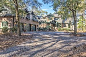 28 Middleton Oaks Road, Charleston, SC 29414