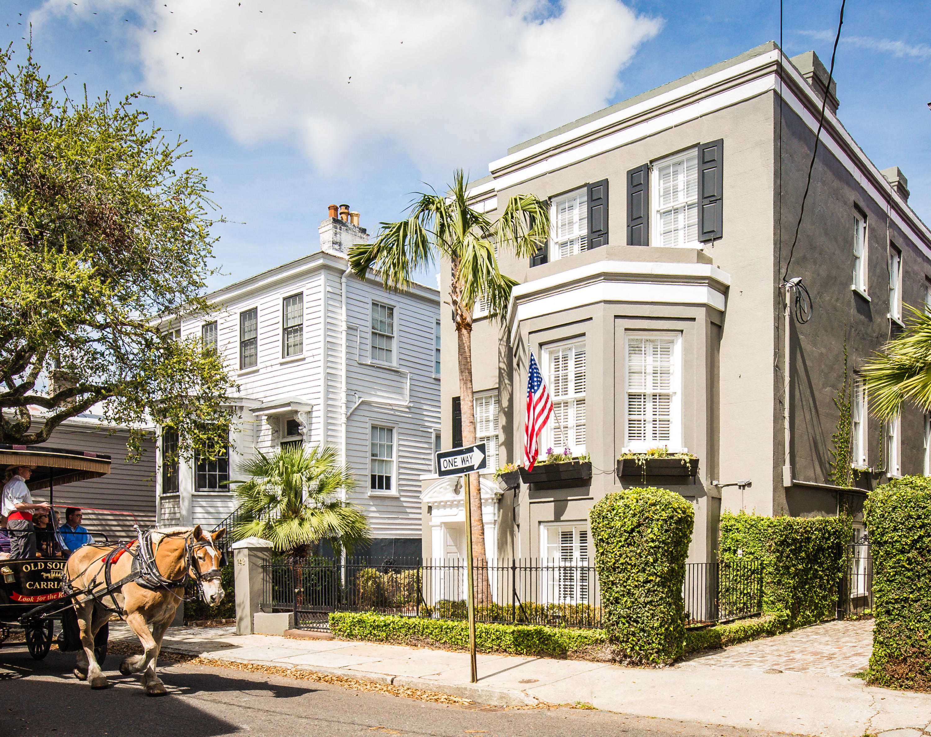 Home for sale 142 Tradd Street, South Of Broad, Downtown Charleston, SC