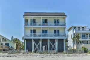 1653 E Ashley Avenue B, Folly Beach, SC 29439