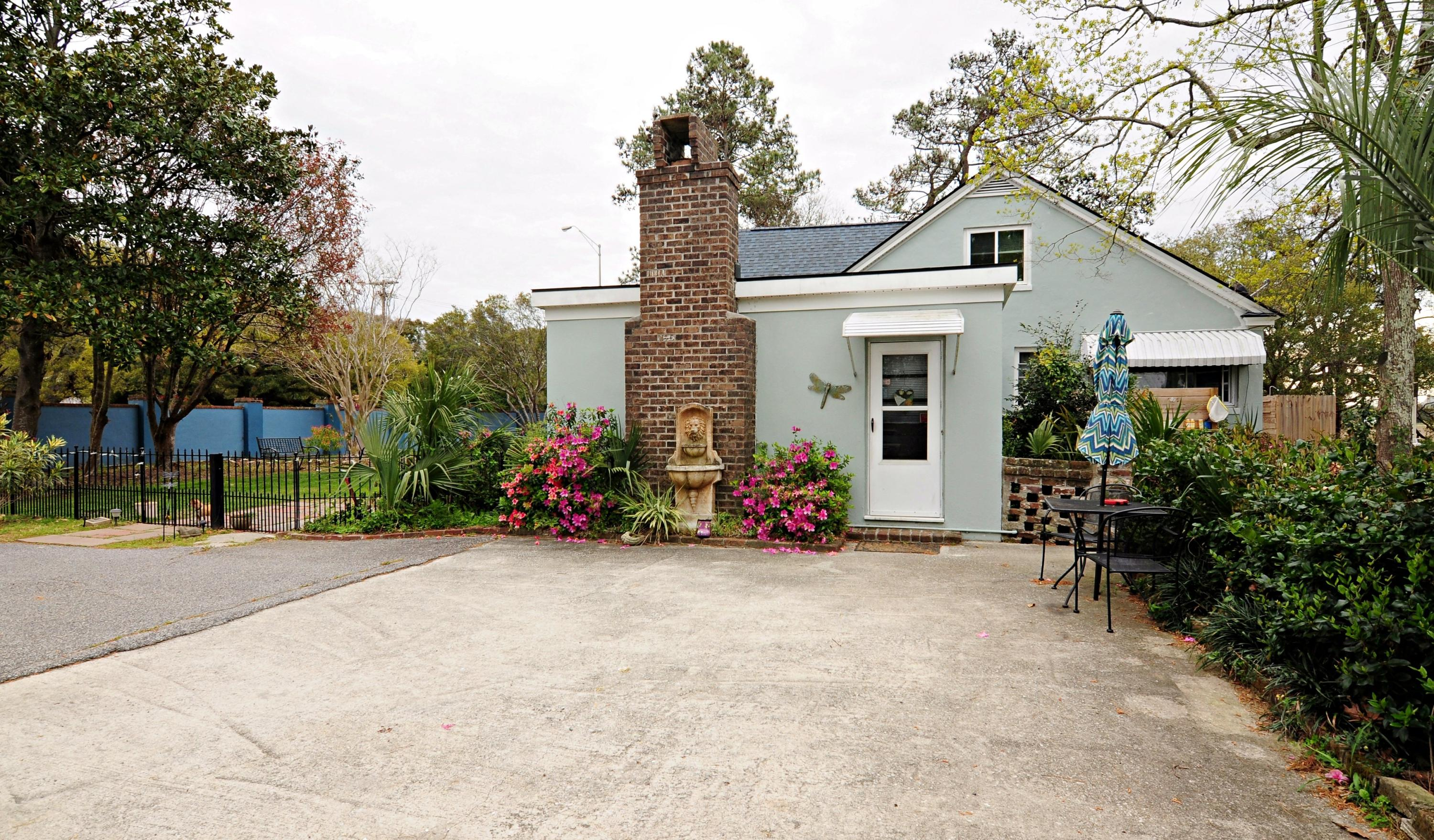 Photo of 1353 Harbor View Rd, Charleston, SC 29412