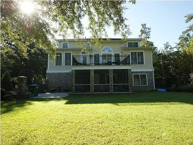 Photo of 103 Oak Village Ln, Summerville, SC 29483